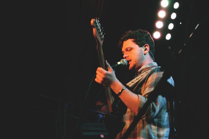 Alt-j-guitarist-smaller
